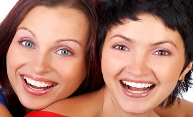 Home Teeth Whitening: Dentists and Dental Services in Naples FL
